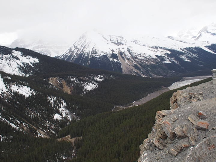 View of the beautiful rocky mountains from Glacier Skywalk