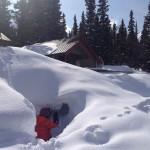 kids playing in snow at Hilda Creek Hostel