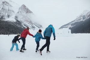 Winter_Ice_Skating_Lake_Louise